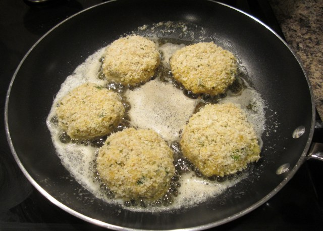 fish cakes cooking