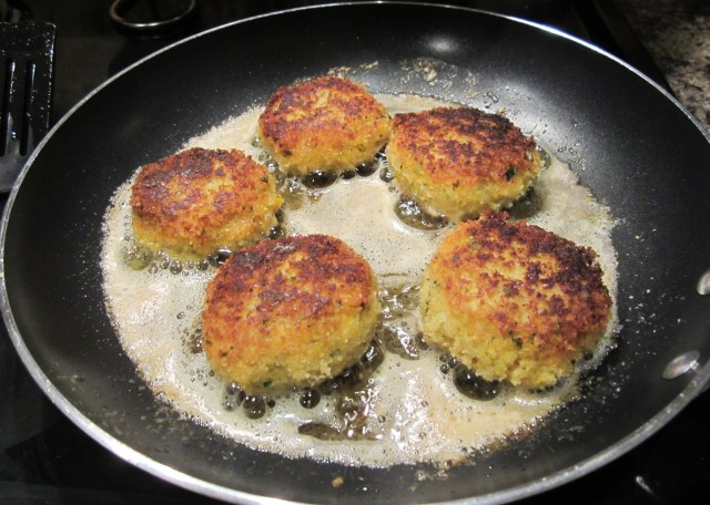fish cakes cooking3