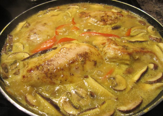 sauce and chicken cooking2