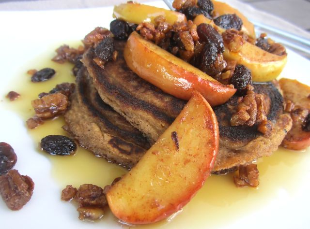 apple-cinnamon-raisin-pancakes