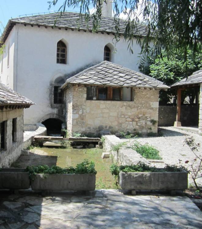 bosnian-mosque-built-on-a-river