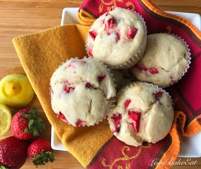 vegan strawberry muffins5